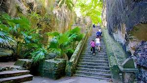 Queen's Staircase in Nassau,   Expedia