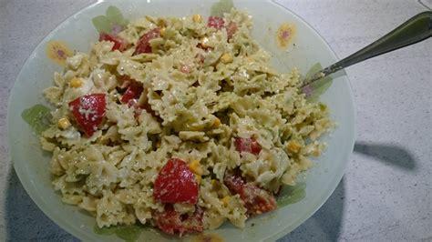 salade de p 226 tes mozzarella tomates et pesto maison