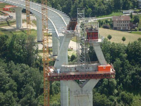 construire un pont hauban 233