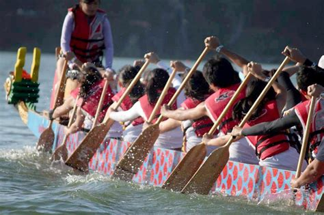 Row The Dragon Boat by These Athletes Row To The Beat Of A Different Drum Usc News