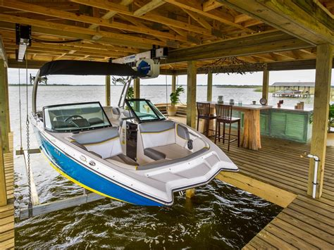 Boat Lift In Spanish by Dock Pictures From Blog Cabin 2014 Diy Network Blog