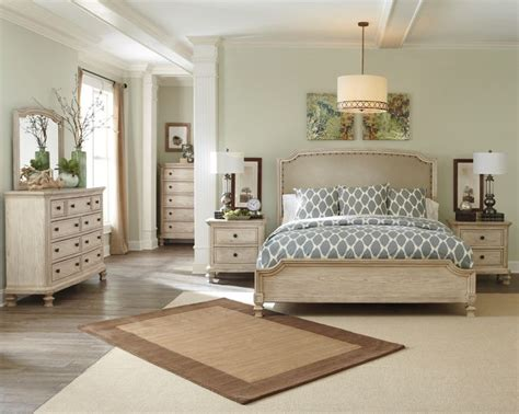 25+ Best Ideas About Bedroom Sets On Pinterest Creative Backsplash Ideas For Kitchens Best Color Kitchen Easy Install Colors To Paint Laminate Cabinets Grey Countertops Tile Floor White