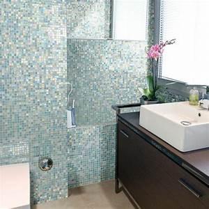 Fliesen Kleines Bad : badezimmer mit mosaik gestalten 48 ideen ~ Markanthonyermac.com Haus und Dekorationen
