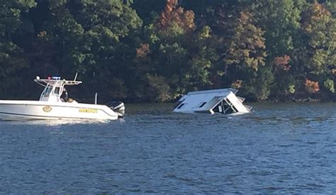 Wake Boat Crash by Breaking The Wake At The Lake Of The Ozarks
