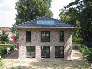 Stadtvilla Mit Anbau : stadtvilla hohen neuendorf ot bergfelde ~ Markanthonyermac.com Haus und Dekorationen