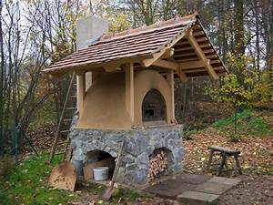 Lehmbackofen Selber Bauen : lehmofen mit steinsockel lehmofen pinterest ~ Markanthonyermac.com Haus und Dekorationen