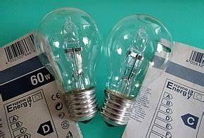 Halogenspots Durch Led Ersetzen : watt lumen fassungsgr en co bei leds und energiesparlampen co2online ~ Markanthonyermac.com Haus und Dekorationen