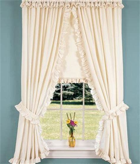 Country Curtains Naperville Hours by Country Curtains Stockbridge Ma Closing Scifihits