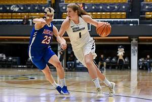 Women's basketball snaps four-game skid in 17-point win ...