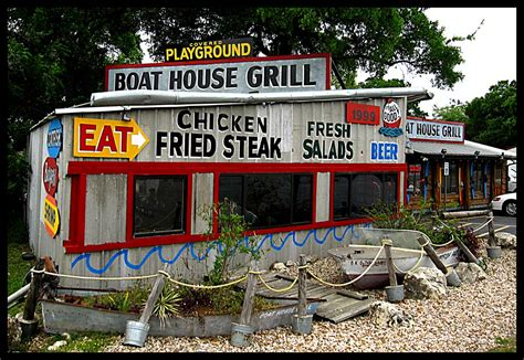 Boat House Grill In Austin by 100 Austin Burgers Boat House Grill Fed Man Walking
