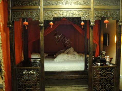 Beautiful Traditional Chinese Bed-picture Of Double