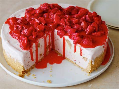strawberry cheese cake bw2d04 frozen strawberry cheesecake s4x3 jpg