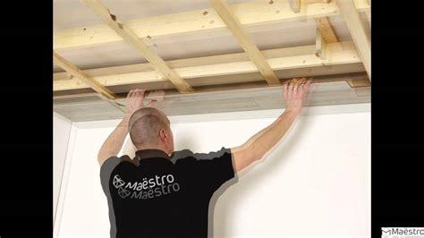 la pose d un lambris maestro sur un plafond