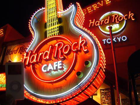 Forecasting At Hard Rock Cafe