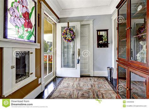 int 233 rieur de couloir d entr 233 e dans la vieille maison am 233 ricaine photo stock image 44639958