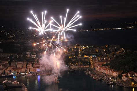 port vendres le feu d artifice du 14 juillet a illumin 233 le ciel de la c 244 te vermeille