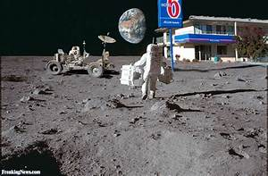Motel on the Moon For Apollo Moon Landing Crew Pictures ...