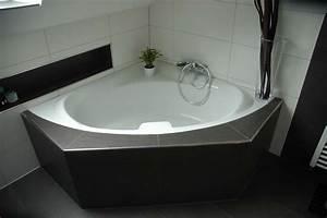Eckbadewanne Fliesen Bilder : klug badezimmer design stauraum organisieren ~ Markanthonyermac.com Haus und Dekorationen