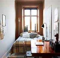 how to decorate a small bedroom Uncluttered small bedroom decorating ideas with brown ...