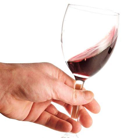 doit on tenir sa coupe de vin par le pied vin bi 232 re et cie cuisine et nutrition pratico