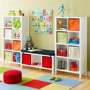 Kinderzimmer Gestalten Baby : babyzimmer gestalten mit offenen regalen ordnung und behaglichkeit ~ Markanthonyermac.com Haus und Dekorationen