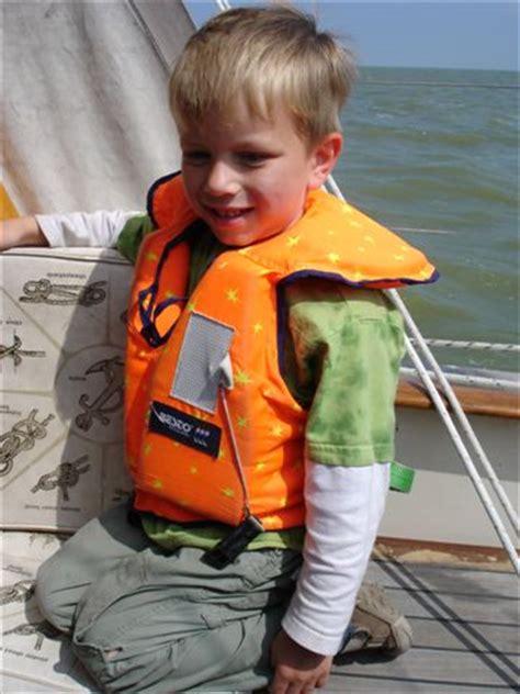 Reddingsvest En 399 by Kinderen Aan Boord Voor En Door Varende Ouders