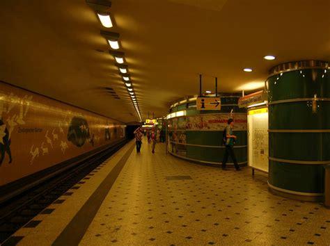 Ubahnhof Zoologischer Garten Hier Verkehren Die U2