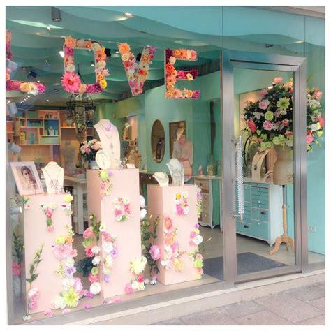 vitrine concept store cannes mai 2014 f 234 te des m 232 res reminiscence reminiscenceparis our