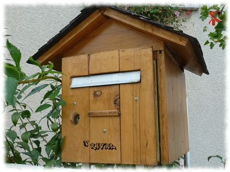 boite aux lettres en bois forme chalet mzaol