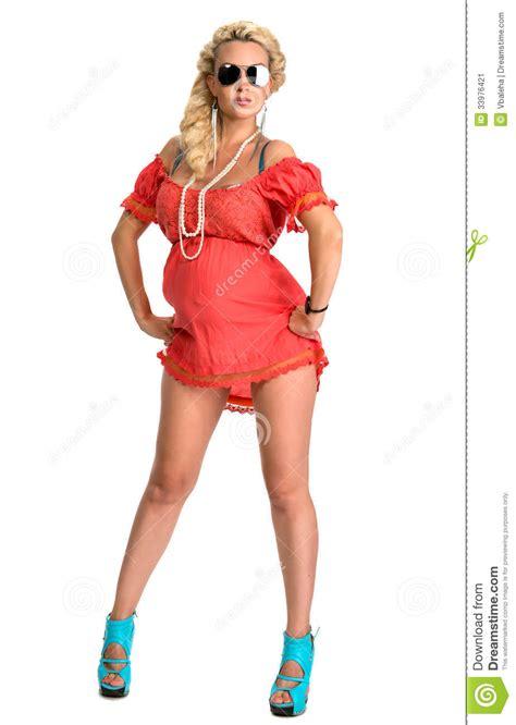 aanbiddelijke zwangere vrouw in moderne kleding stock afbeelding afbeelding 33976421