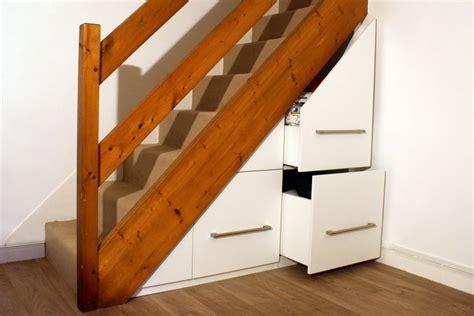 mon amenagement placard sous escalier sur mesure