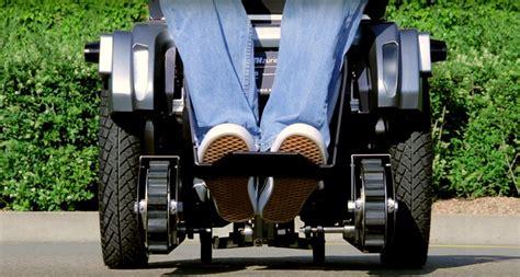 avec scalevo les fauteuils roulants peuvent maintenant monter les escaliers