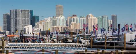 Miami Beach Boat Show 2017 by Miami Boat Show Boatandboats Flies To Florida