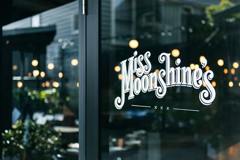100 moonshine patio bar and grill parking meet