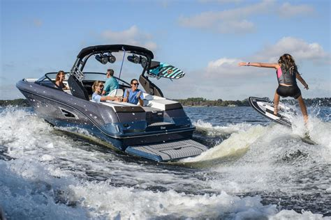 Sea Ray Surf Boat by Top Boat Manufacturers Sea Ray Beneteau And Ranger Are