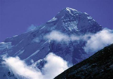 le mont everest aurait culmin 233 224 12 000 m 232 tres
