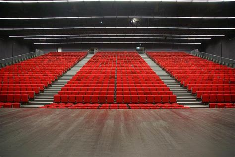 palais des congr 232 s charles aznavour hugon tribunes