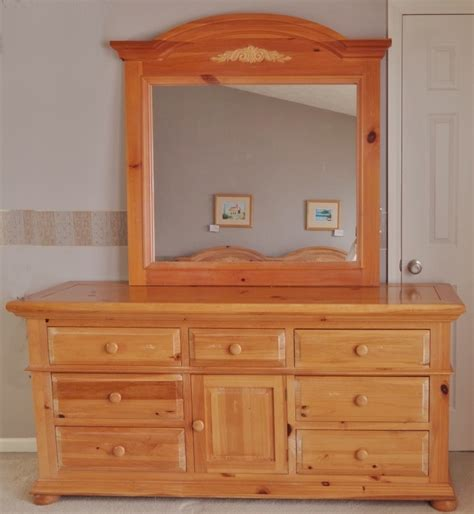 broyhill fontana dresser dimensions broyhill quot fontana quot dresser and mirror ebth