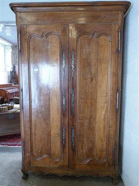 armoire de sacristie en merisier 224 3 serrures et 3 clefs ou