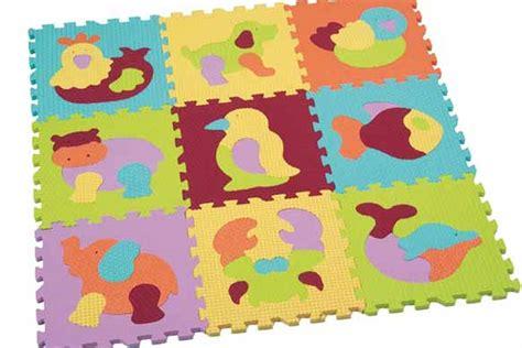 la vente des tapis puzzle suspendue