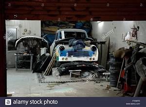 Auto In Der Garage : old garage workshop stockfotos old garage workshop bilder alamy ~ Whattoseeinmadrid.com Haus und Dekorationen
