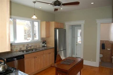 kitchen paint colors with maple cabinets tried to get a yellow to work but never could get one