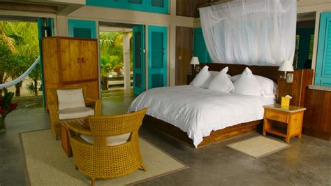 Making A Comfortable Bedroom Interior Decorating With