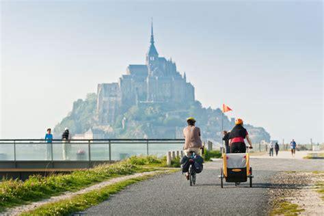 cycling route from to mont au michel la v 233 losc 233 nie manche tourisme