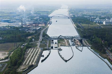 Scheepvaart Albertkanaal by Schuttevaer Minder Vervoer Over Albertkanaal In 2013
