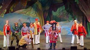 Broxbourne Theatre Company: Peter Pan the Pantomime ...