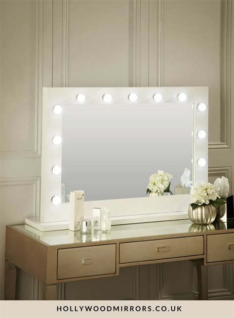 25 best ideas about mirror with lights on makeup desk with mirror makeup vanity