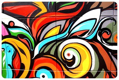 graffiti mural globetrottergirls