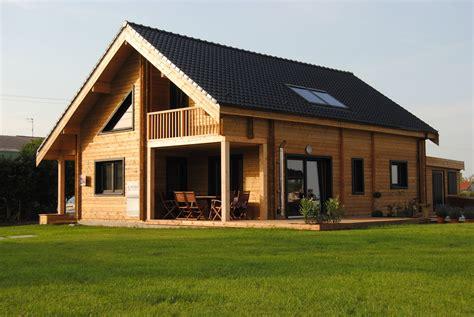 construction maison en madrier de bois et maison en bois pas cher