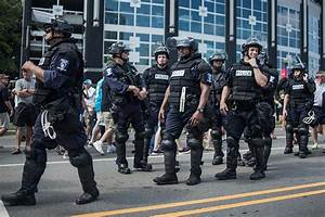 10 States That Pay Police Officers the Highest (and Lowest ...
